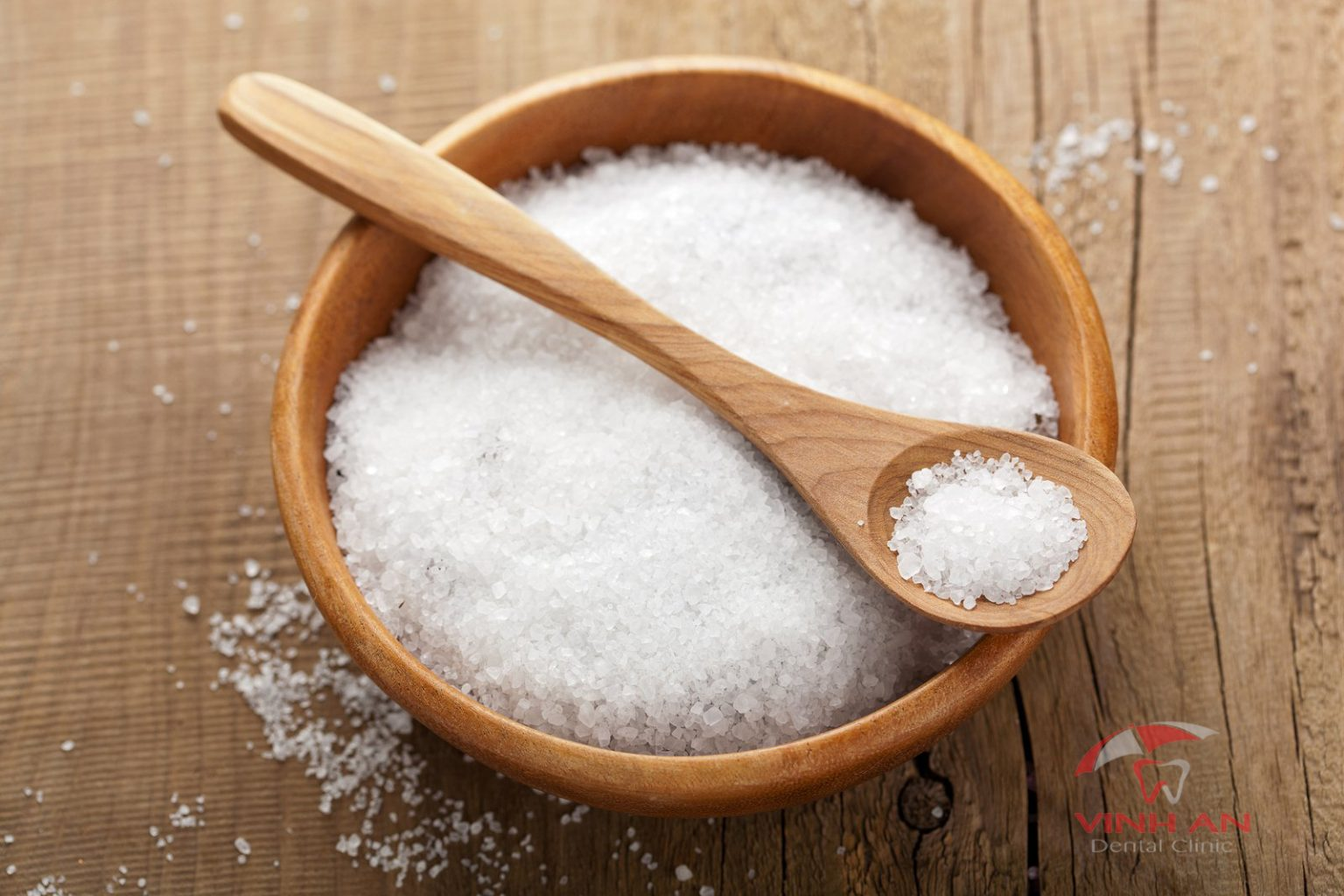 Cách pha nước muối loãng bằng muối biển hột đem lại hiệu quả tốt hơn cả